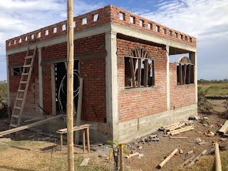 Building a rental home on the coast of Ecuador! Week 9