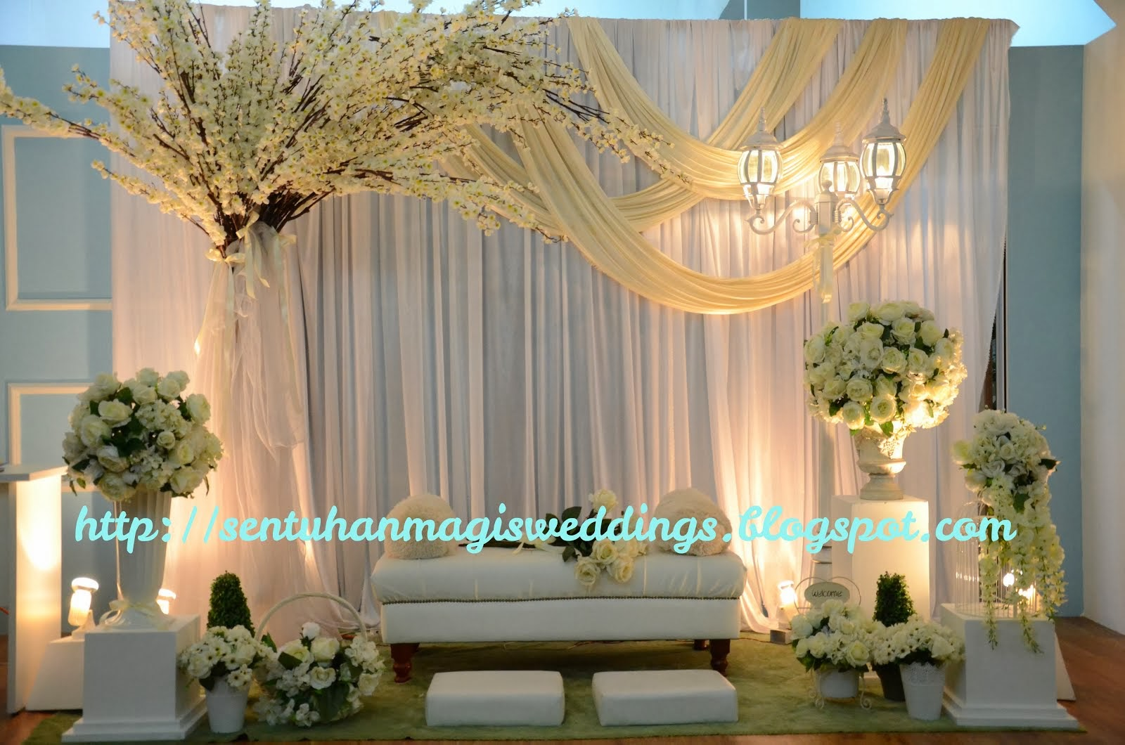 DAIS BY SENTUHAN MAGIS WEDDING AND DECOR
