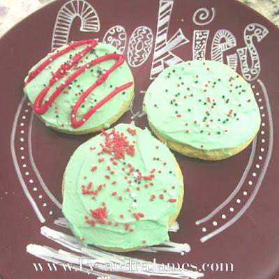 Capsule Cooking: Sugar Cookies - www.LysandraJames.com