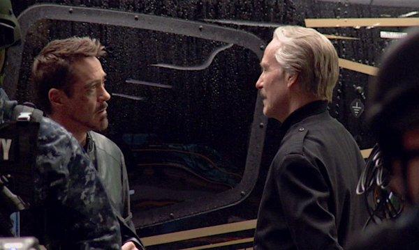 Тони говорит с Генералом Россом.