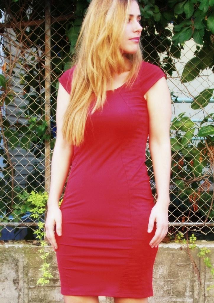 kırmızı elbise etkisi