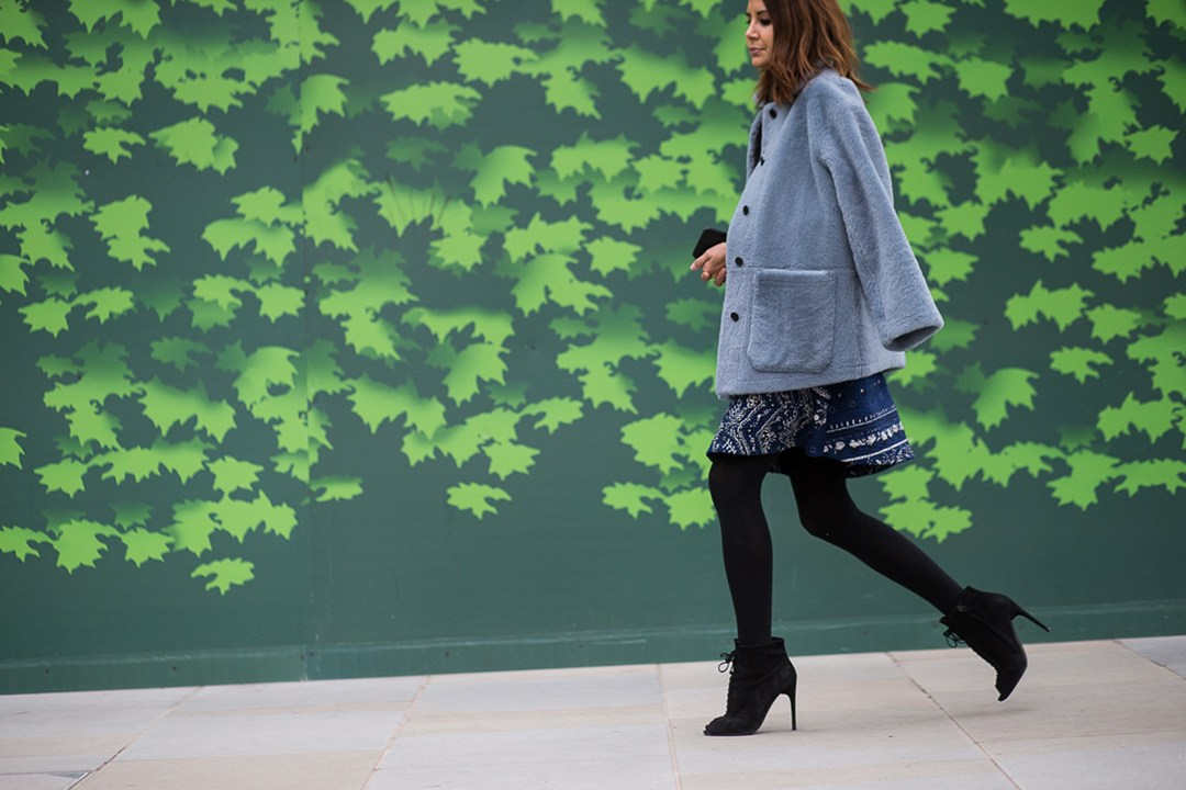london fashion week spring 2016,  faux fur blue jacket, patterned circle skirt, lace up heels