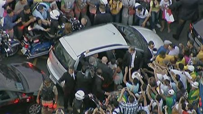 Problemas durante a visita do Papa ao país, revelam a incapacidade do Brasil, em receber turistas para a Copa do Mundo e Olimpíadas.