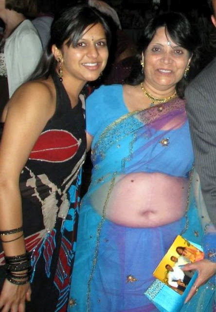 Desi Real Life Aged Aunty Fleshy Fat Round Belly And Navel Show