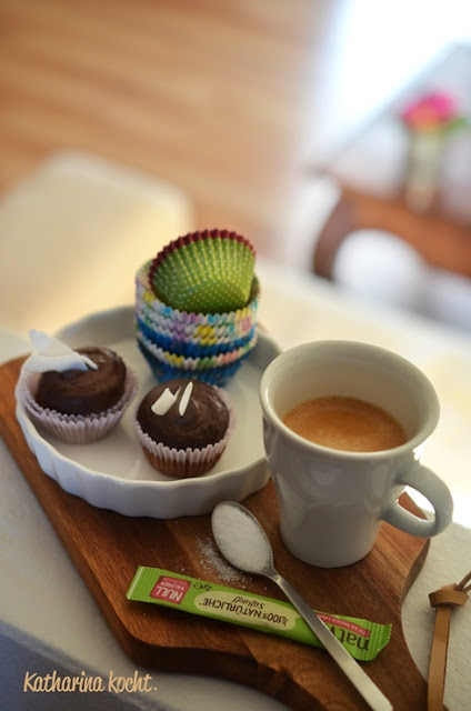 Schokoladen Cupcakes Avocado Frosting zuckerfrei Natvia Stevia Backen mit Süßstoff Zuckerersatzstoff