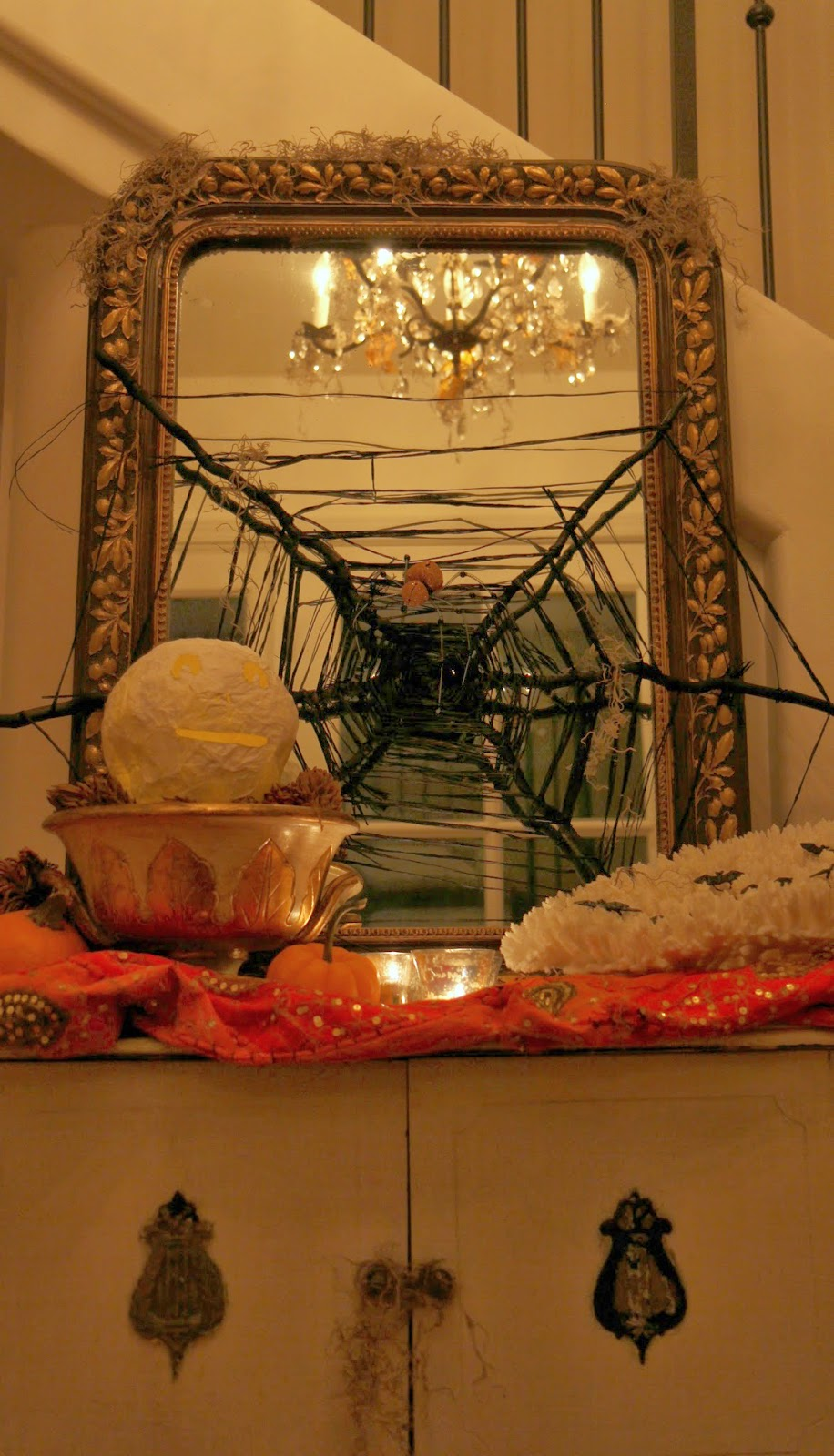 Foyer Table: Spooky Glam Halloween Party