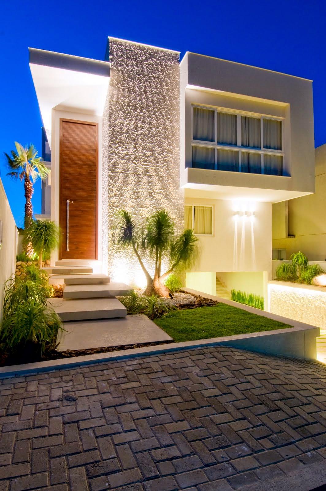 20 fachadas de casas modernas com linhas retas veja for Fachadas para casas