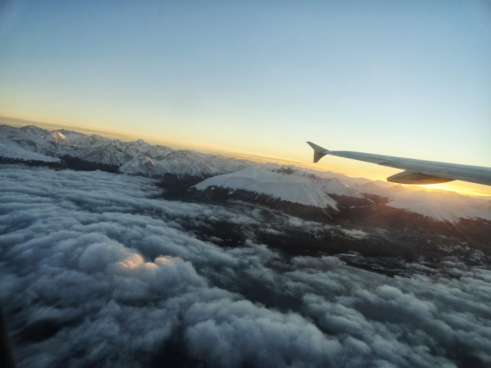 Algumas fotos da Cordilheira dos Andes tiradas de dentro do avião. #A38028 1600 1200