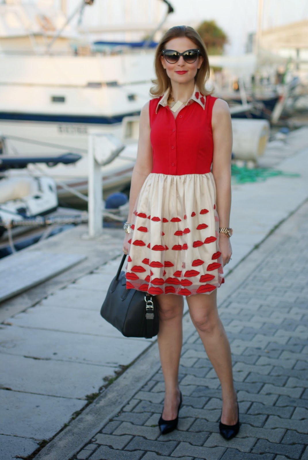 Nando Muzi heels, lips red dress, Givenchy Antigona bag, Fashion and Cookies, fashion blogger