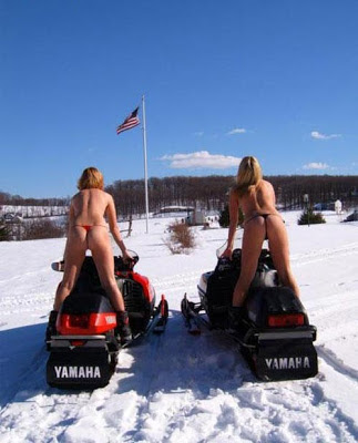 Mulher em Moto de Neve, Gostosas de Moto de Neve, SkiWoman on the snowmobile, the Sexy on the snowmobile, babe om snow bike,Sexy Motorcycle, girls in snowmobile