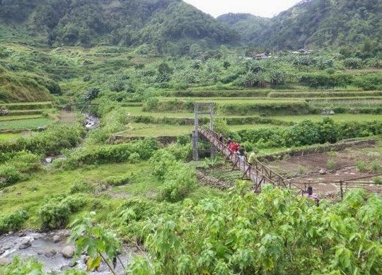 Batu Berbentuk Kemaluan Wanita Jadi Tarikan Pelancong di Filipina
