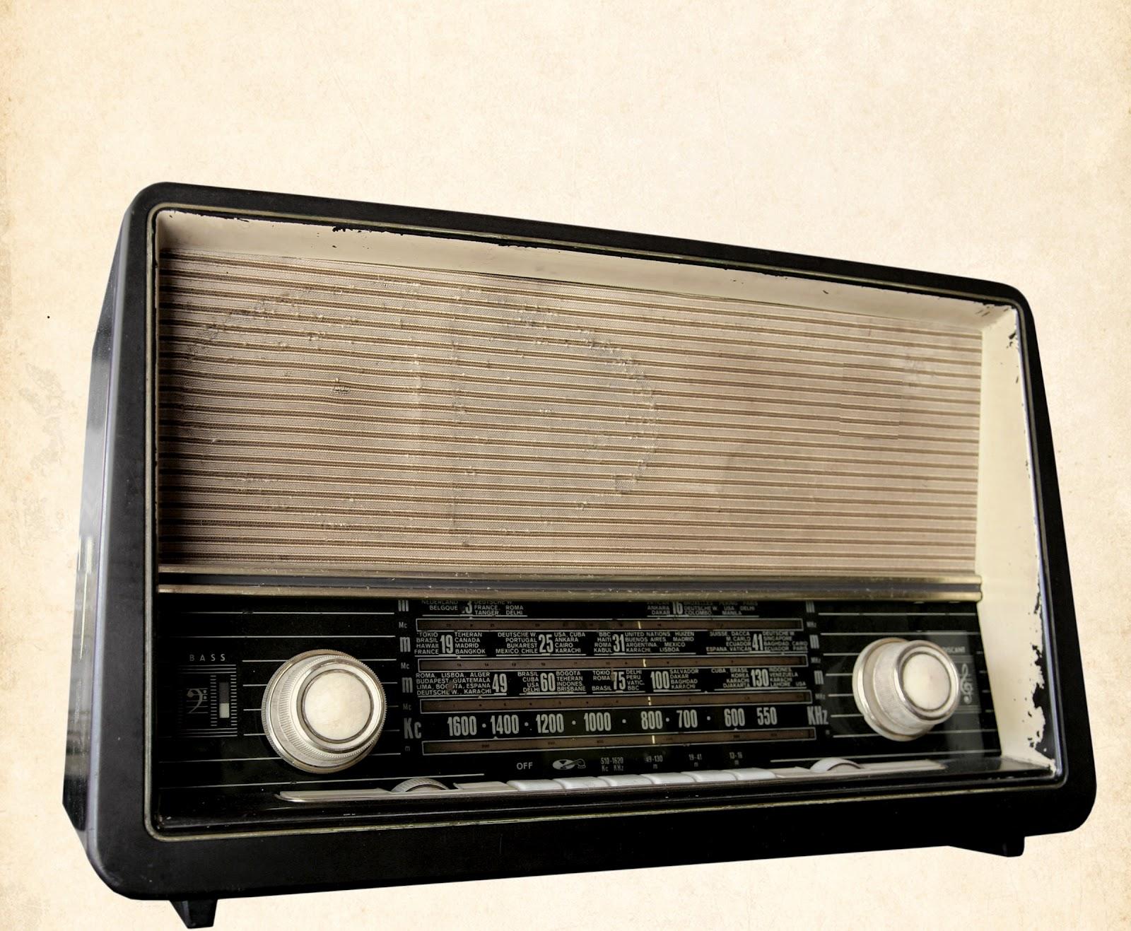 comment faire l 39 argent vente annonces radio comment fait. Black Bedroom Furniture Sets. Home Design Ideas