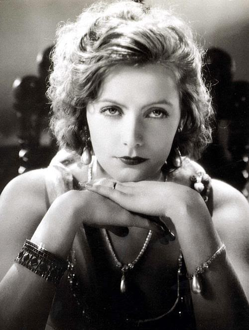 Greta Garbo - Wallpaper Gallery