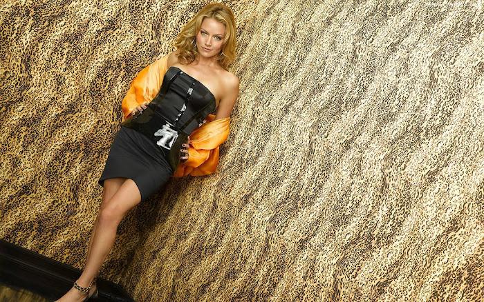 Becki Newton HD Wallpaper -07