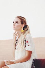 Melanie Maroon