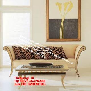 Toko mebel jati klasik jepara,sofa cat duco jepara furniture mebel duco jepara jual sofa set ruang tamu ukir sofa tamu klasik sofa tamu jati sofa tamu classic cat duco mebel jati duco jepara SFTM-44098
