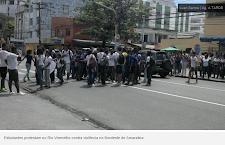 Após protesto, estudantes liberam via no Rio Vermelho