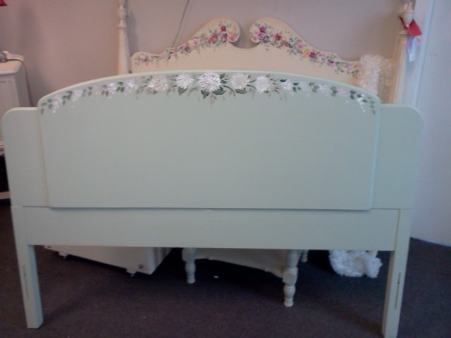 antique painted art deco headboard shabby chic furniture - Deco Shabby Chic Blog