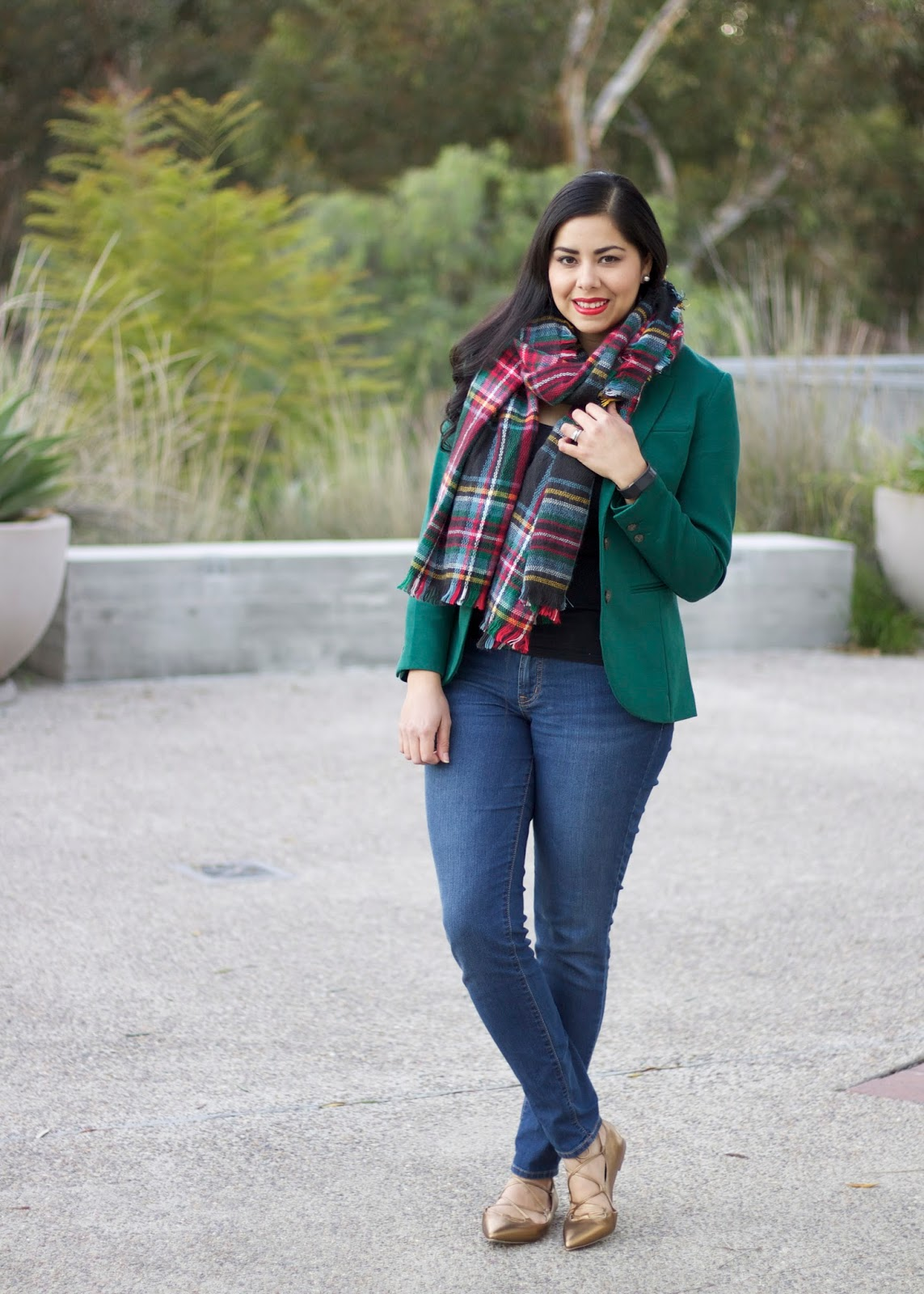 Forest Green blazer outfit, H&M Green blazer, perfect outfit for the Holidays, holidays 2015 outfit, how to wear a plaid scarf, gap shoes