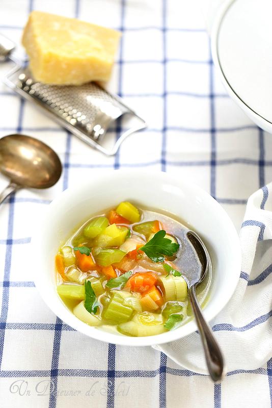 Potage ou soupe aux trois légumes