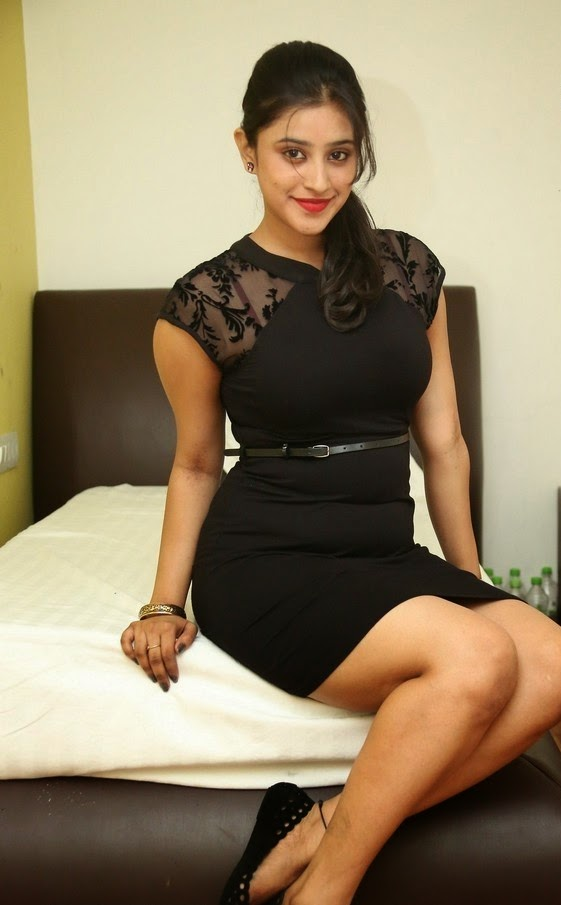 Actress Priya New Seductive Looks Photo Shoot