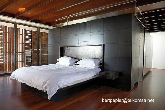 Dormitorio de casa contemporánea en Sudáfrica