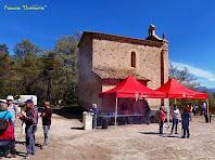 """La façana de migdia amb la sagristia adossada de la capella de Sant Roc. Autor: Francesc """"Caminaire"""""""