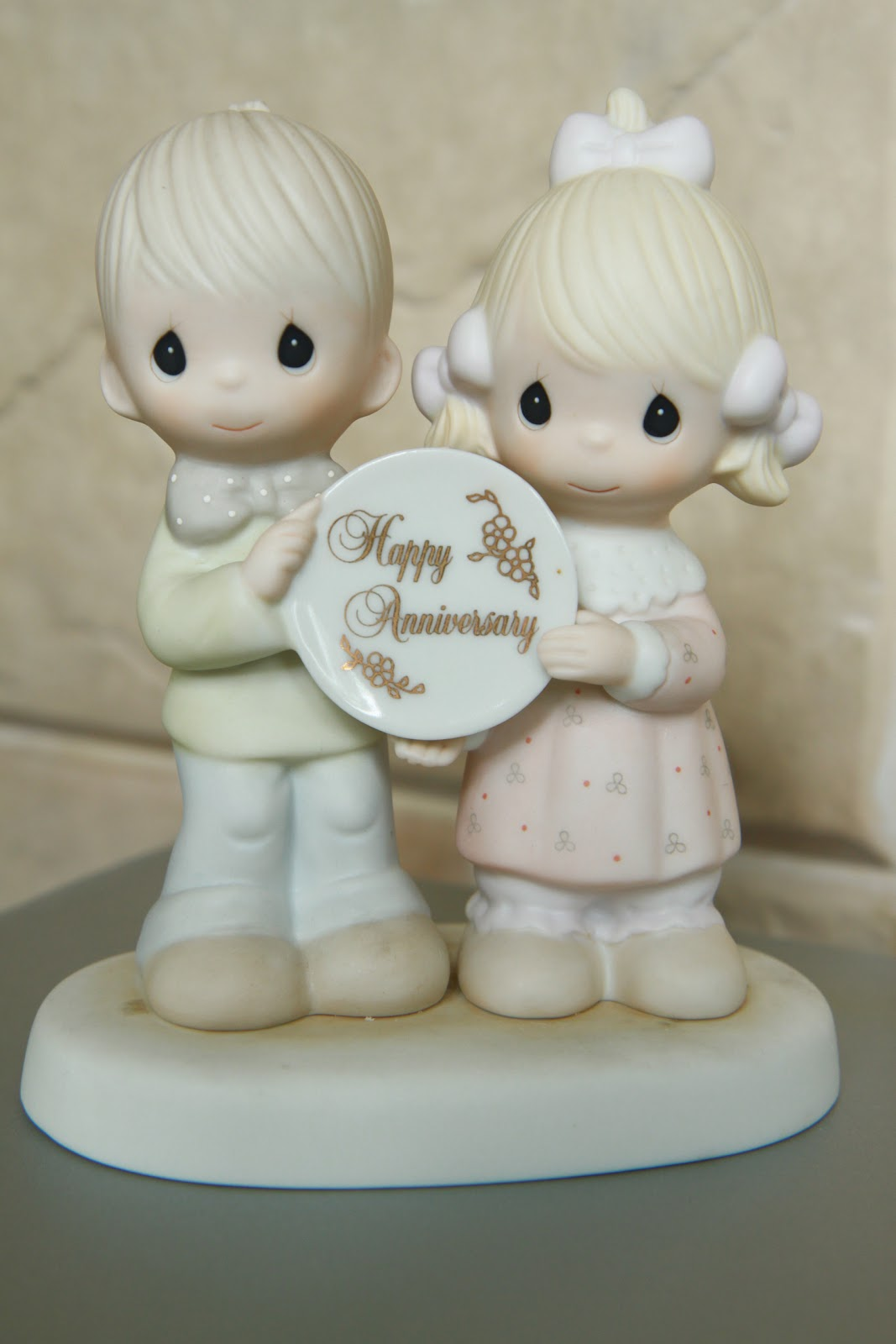 Precious Moments Collection Figurine 10 Happy Anniversary