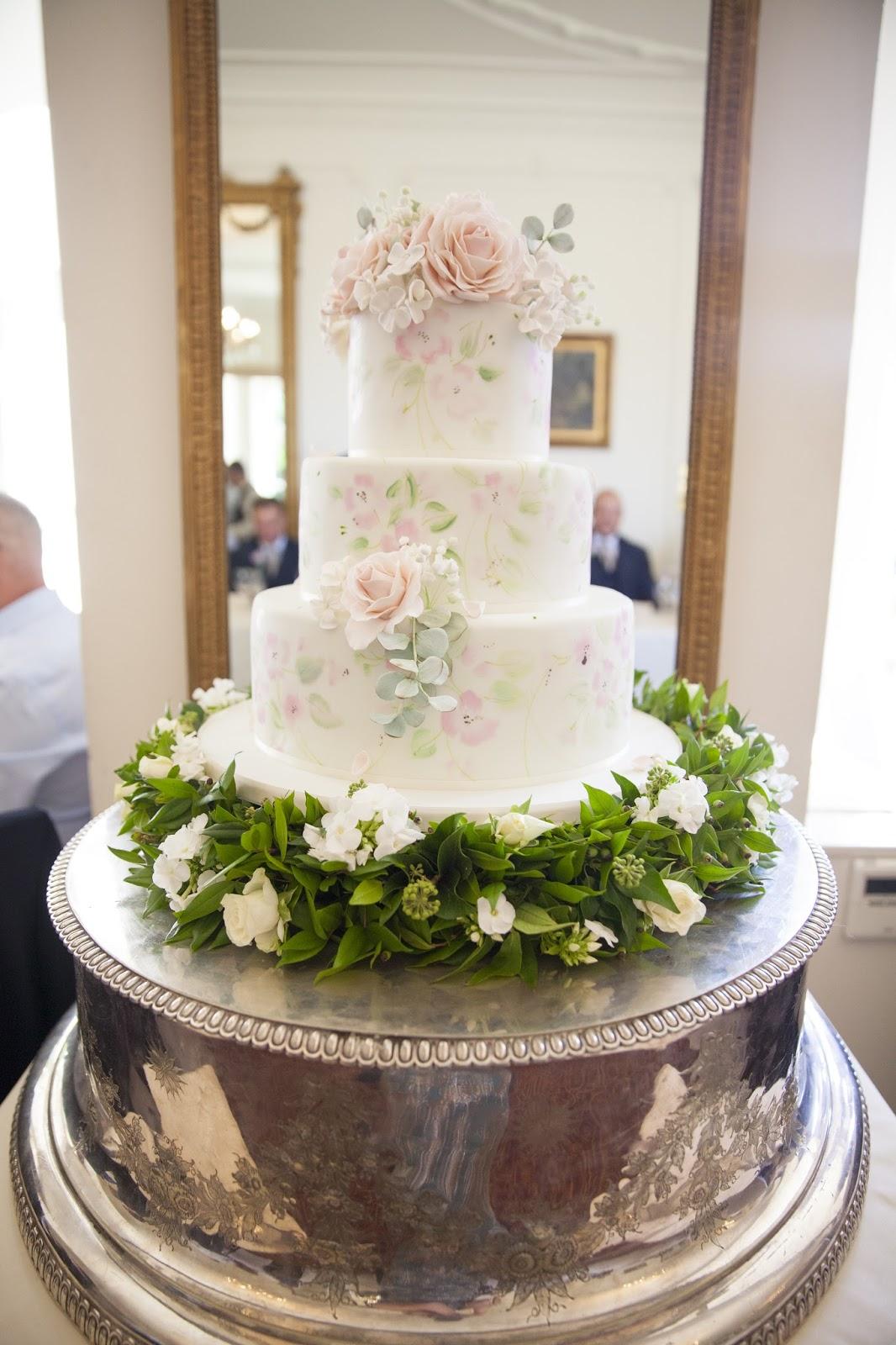 Cake server for wedding