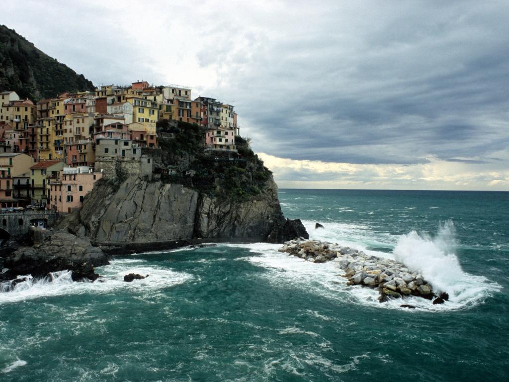 http://4.bp.blogspot.com/-2L6cHVhg4nw/Tf-WSInKUhI/AAAAAAAAGis/6grVGmDzeso/s1600/23-Cinque-Terre-Italy-Stefano-Merler-1-1024x768.jpg