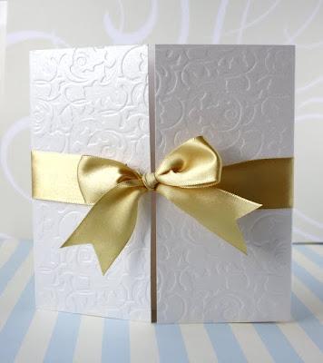Свадебное приглашение с золотой лентой
