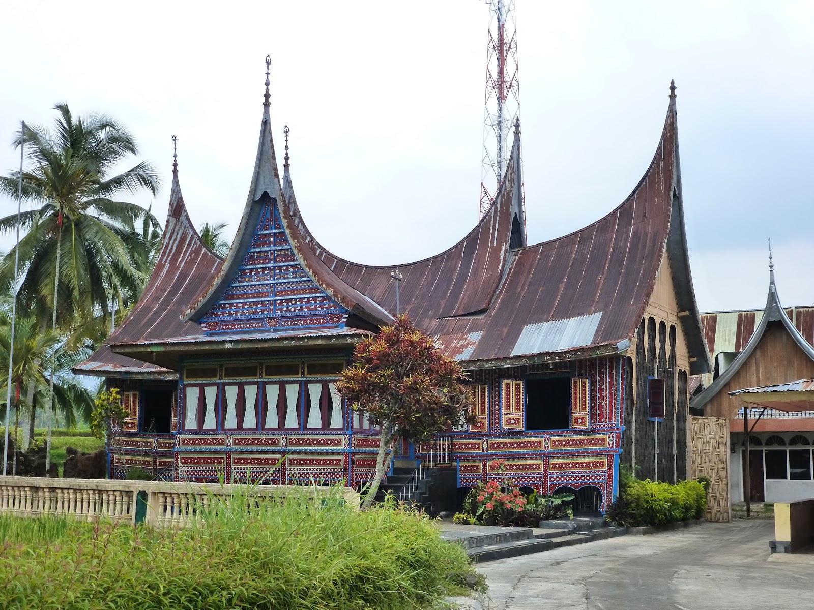 Minangkabau house 02 bg reference 1 pinterest for Traditionelles thai haus