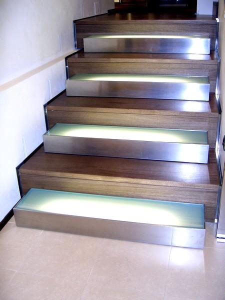 Case illuminazione scala interna - Illuminazione scale a led ...
