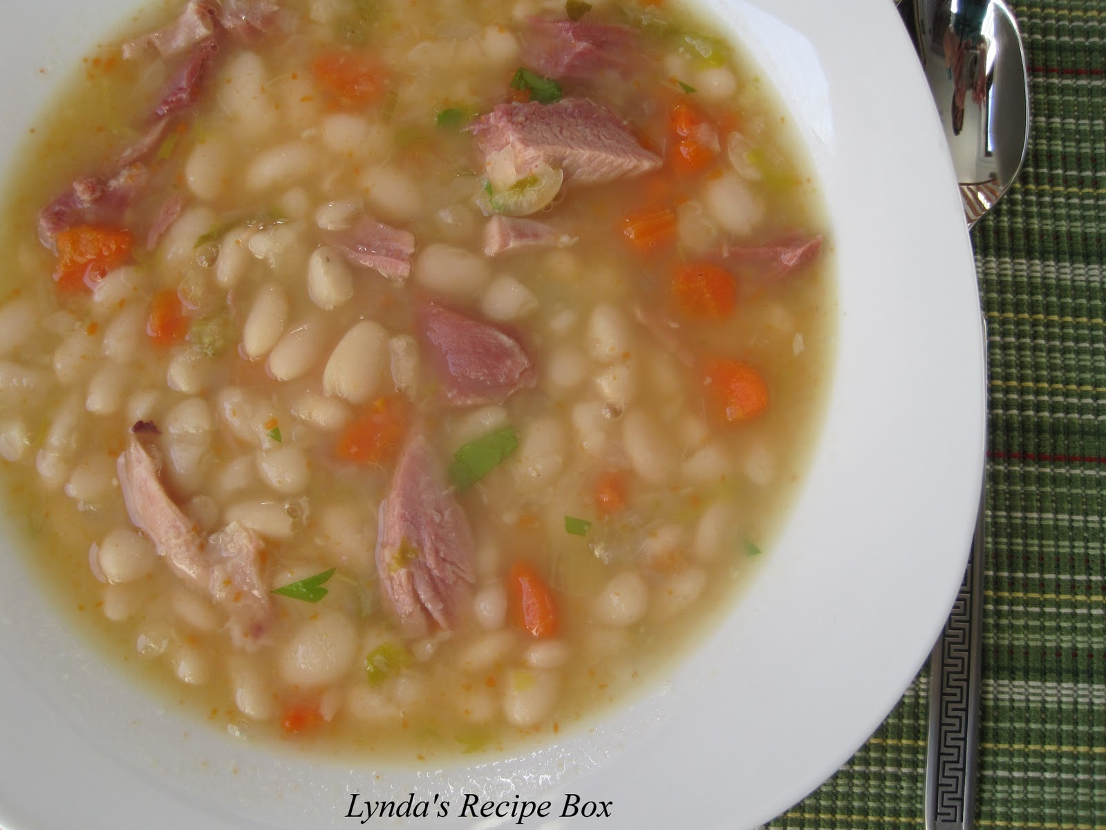 Lynda's Recipe Box: White Bean and Ham Soup