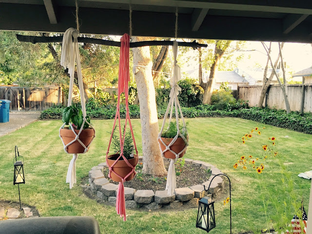 diy macrame, diy macrame plant hanger, diy plant hanger, diy herb hanger, back yard diy ideas, backyard diy, backyard decorating, herb garden, herb garden diy, diy plant hanger, diy herb garden,  back yard projects