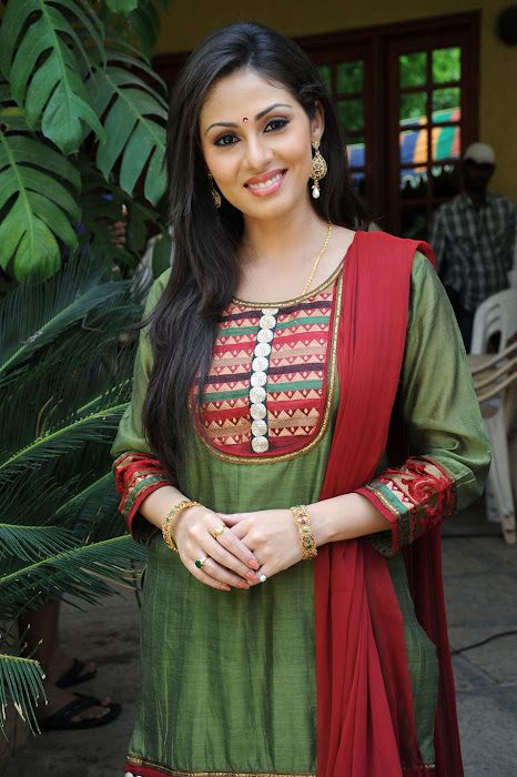 Sada in Classic Salwar Suit, Traditional Indian Salwar Punjabi Suit images