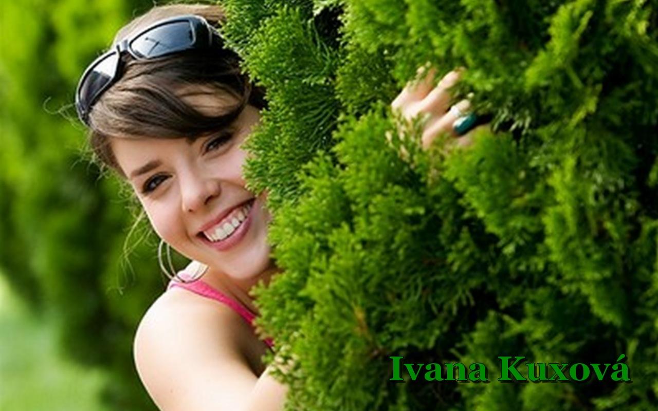 http://4.bp.blogspot.com/-2NBVkXd7HqE/TdqrKziotcI/AAAAAAAAQ_M/R3KwFIEwb-s/s1600/Ivana%2BKuxova%2BWallpaper%2B2.jpg