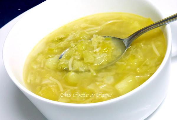 Sopa de col for Cocinar repollo con patatas