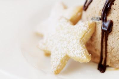 Cinnamon shortbread stars Recipe