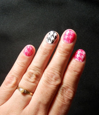 houndstooth nail stamp