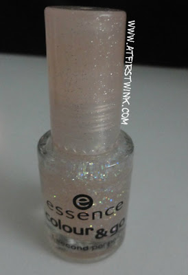 Essence colour & go nail polish in 04 Space queen