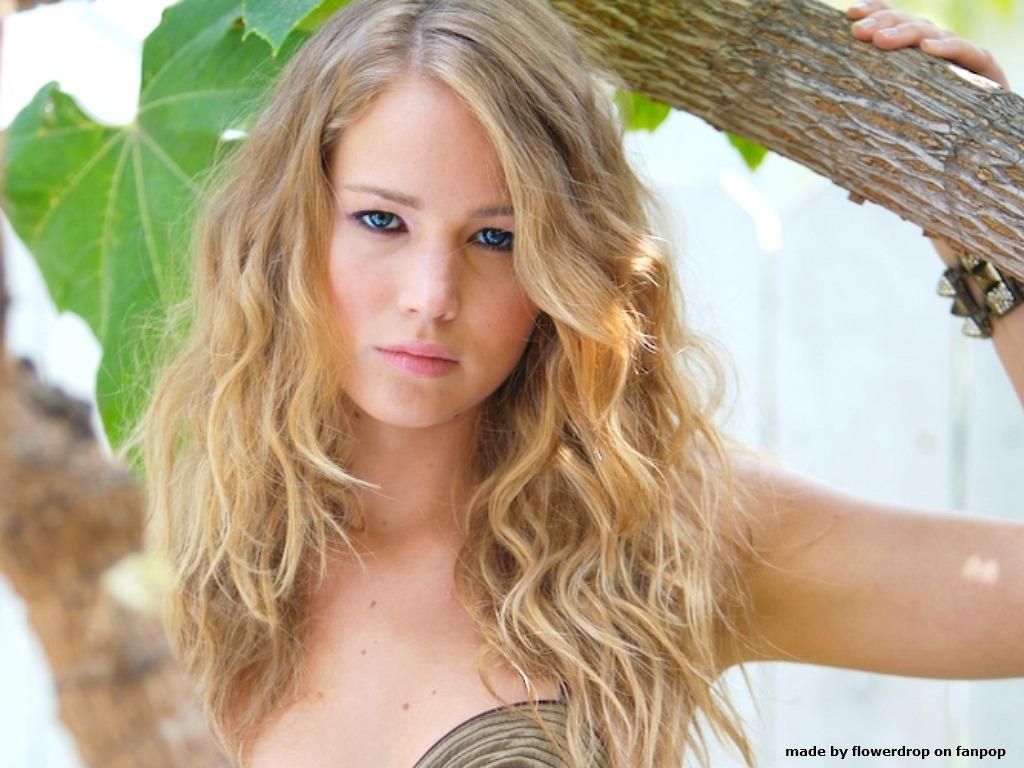 Jennifer Lawrence, Fre...