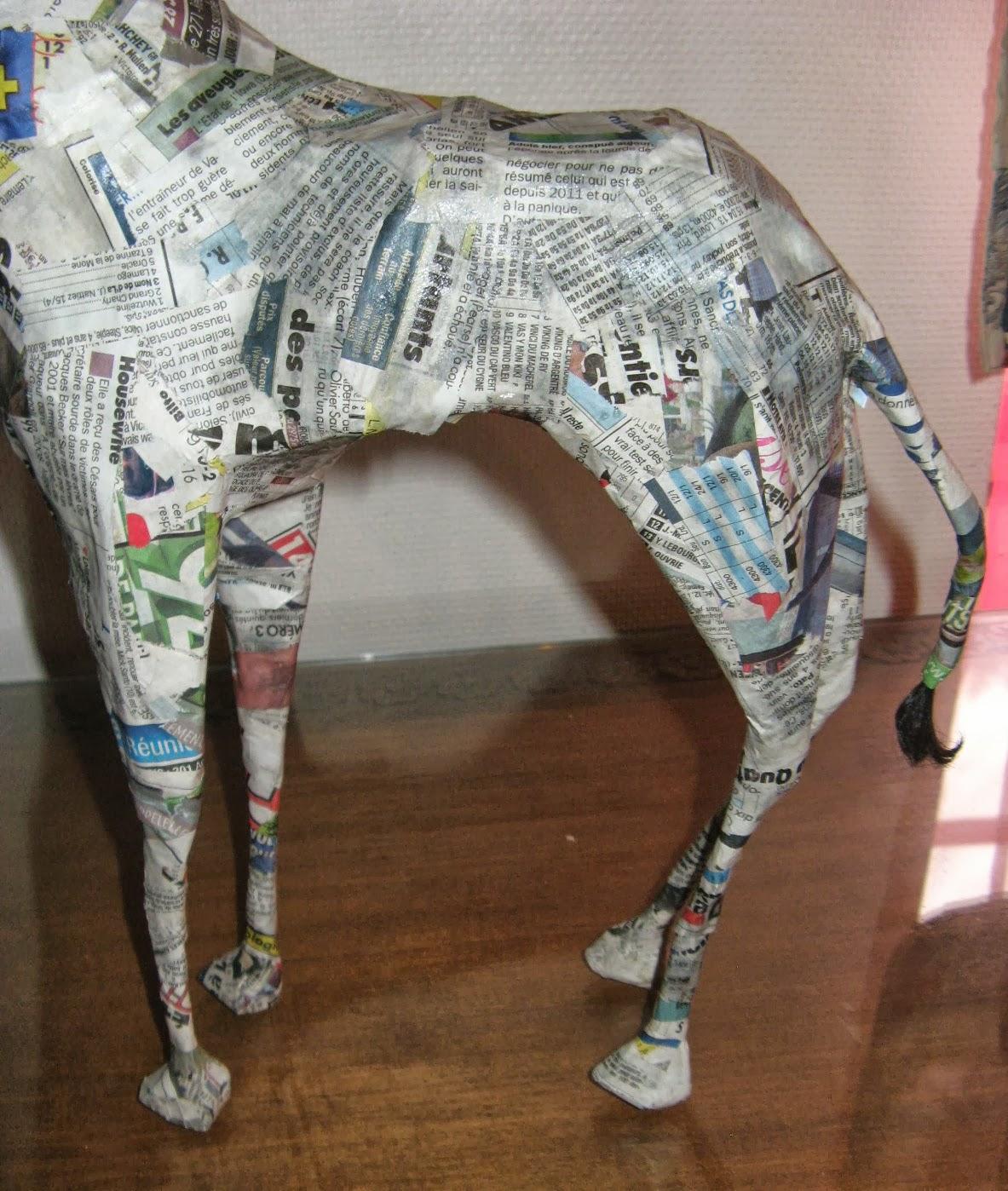 Les aventures de la m re poulpe barbie peint la girafe for Prix d une girafe a poncer