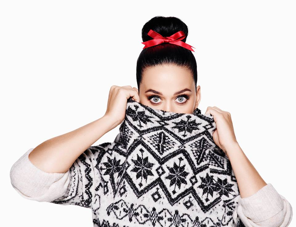popmusiclife: VIDEO: Katy Perry premieres new Christmas song in H&M ...