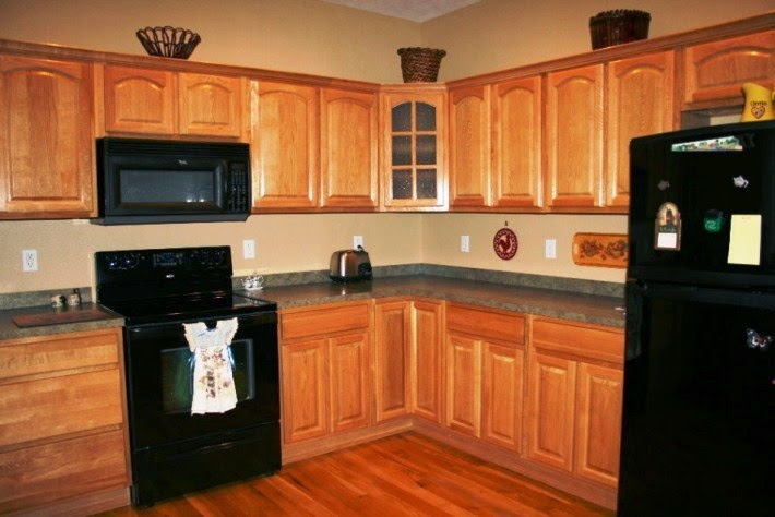 How to choose the right kitchen wall painting color for Kitchen ideas for oak cabinets