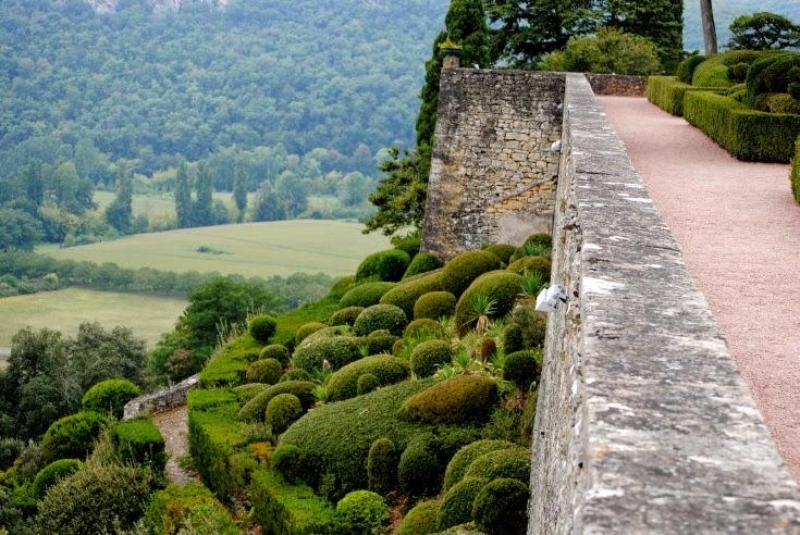 http://grib0uillie.blogspot.fr/2014/11/les-jardins-suspendus-de-marqueyssac.html