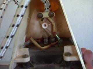 cara bongkar setrika listrik