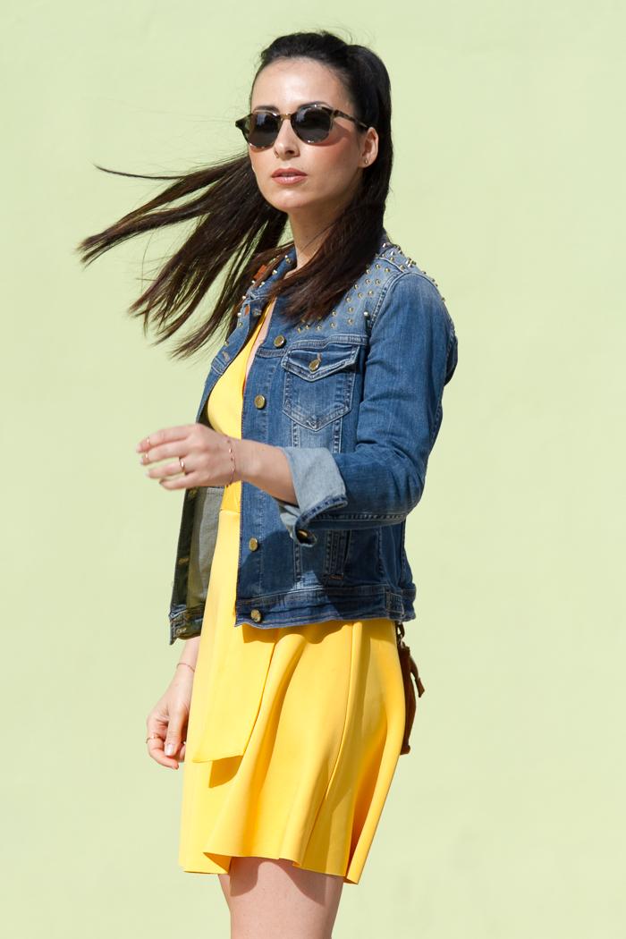 Sunglasses : BOTTEGA VENETA in Khaki color fashion blogger
