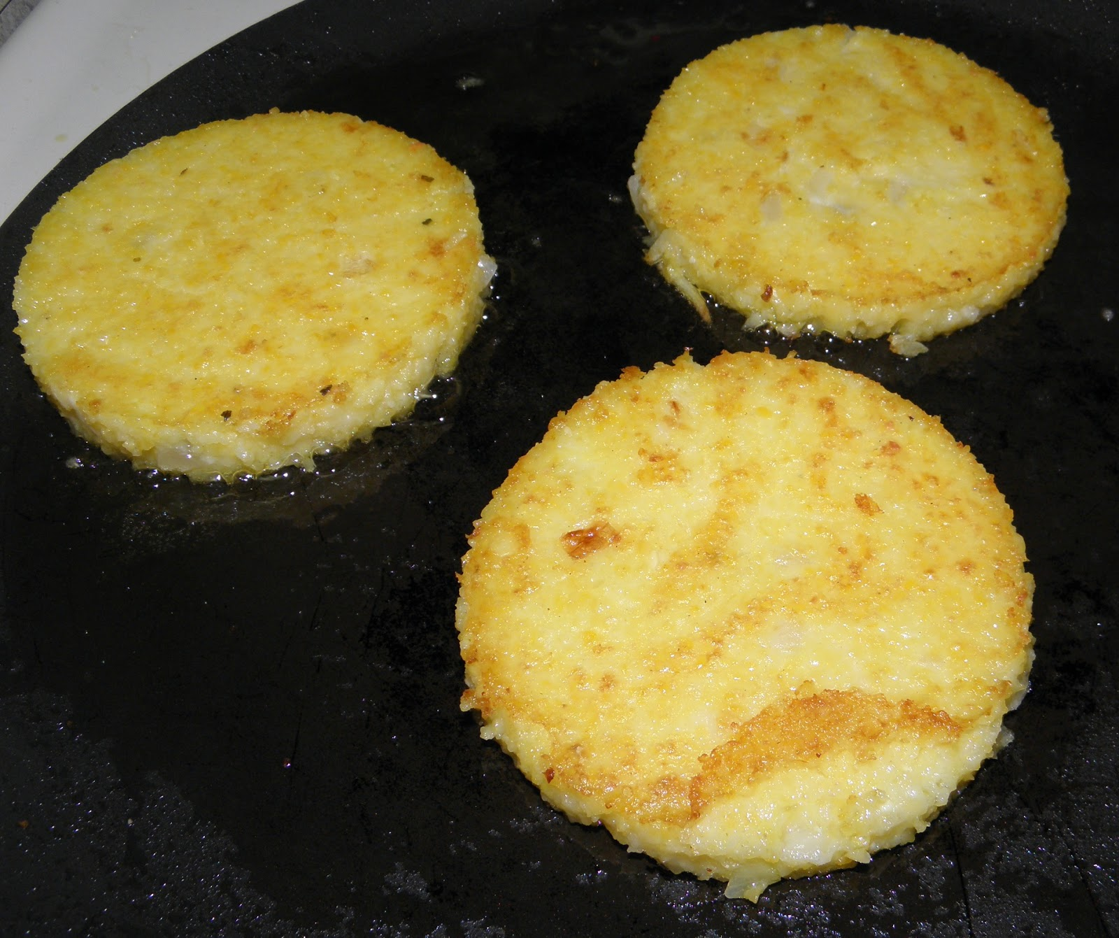 Grilled polenta cakes | Buen Provecho Enjoy Your Food Gluten Free