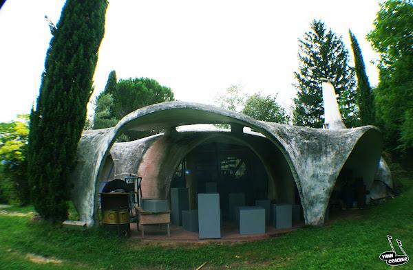 Ponsas (26) - Atelier de poterie  Architecte: Pascal Hausermann  Maître d'ouvrage: Privé  Construction : 1972